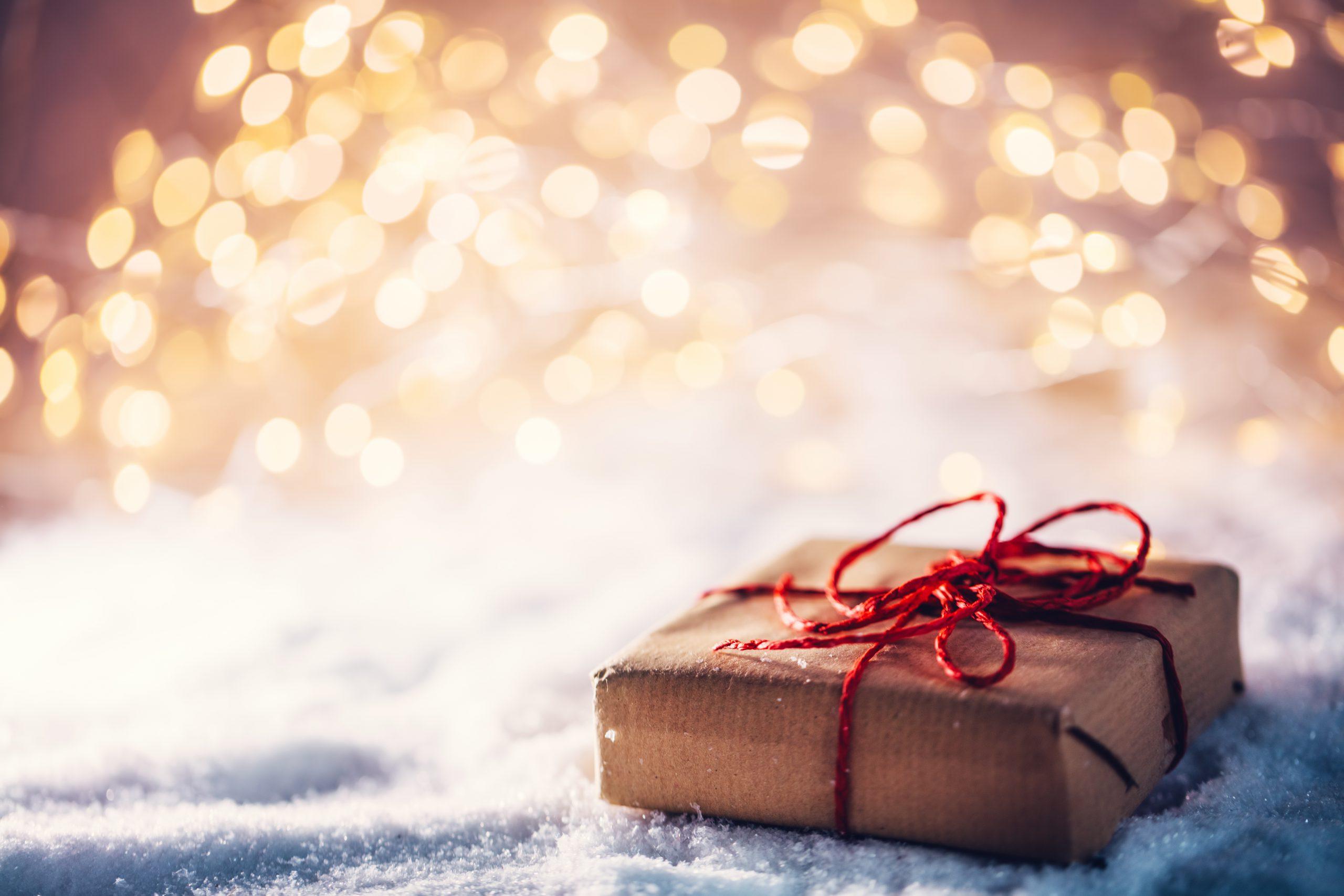 クリスマスプレゼント調査、女性の47%「彼氏からのプレゼントで嬉しいフリ」