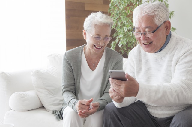 おじいちゃん・おばあちゃんに聞いた!「孫の写真」調査