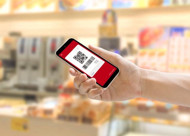 実店舗でのスマホ決済利用率は、「PayPay」が首位