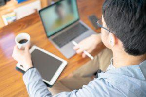 営業活動のリモートワークに関する調査結果を発表。約8割が「生産性が上がったとはいえない」。ツール導入後は「オンライン商談や社内間の意思疎通」が課題に
