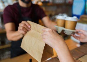 テイクアウトに関して徹底調査!売上激減の飲食店を救う「テイクアウト」