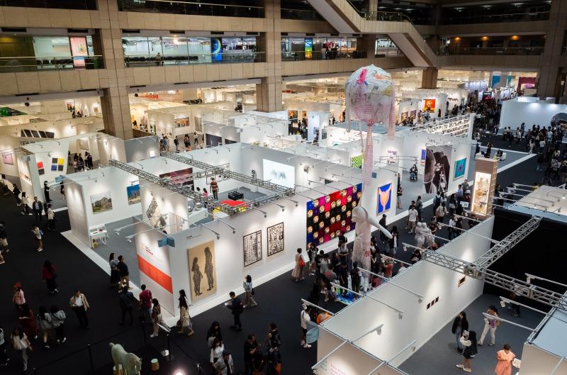 """リアル展示会、参加者の半数が""""年内は自粛""""か、オンライン参加には93.5%が関心"""